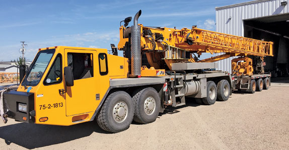 2006 Link Belt hydraulic truck crane ready to be auctioned in Edmonton