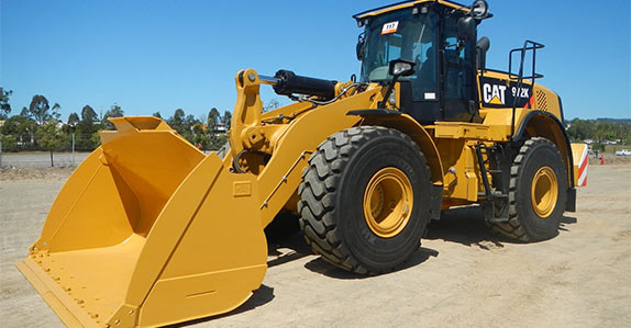 Wheel loader inspection tips from Ritchie Bros. and IronPlanet.