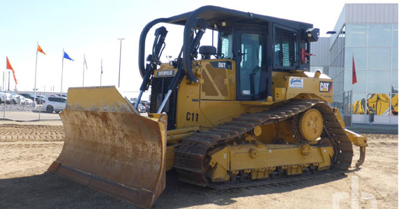 2014 Caterpillar D6T sold by Ritchie Bros.