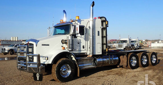 2018 Kenworth T800 heavy haul truck sold at Ritchie Bros.