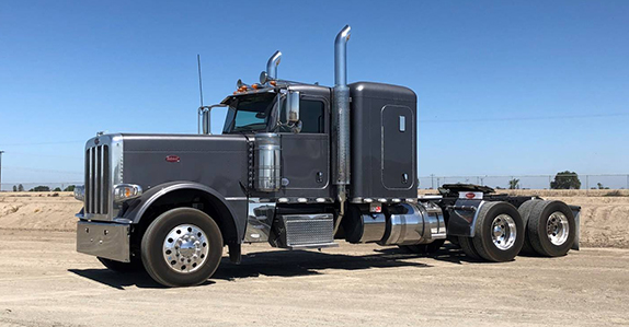 2016 Peterbilt 389 sleeper truck tractor sold at Ritchie Bros.
