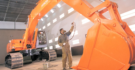 Refurbishing a Hitachi hydraulic excavator