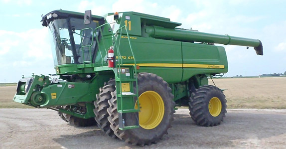 2011 John Deere 9870STS Combine – sold for USD $215,000 at unreserved auction